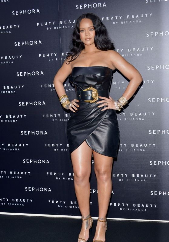 "Rihanna - ""Fenty"" by Rihanna Makeup Launch in Milan"