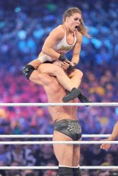 Ronda Rousey Wwe Wrestlemania 34 In New Orleans