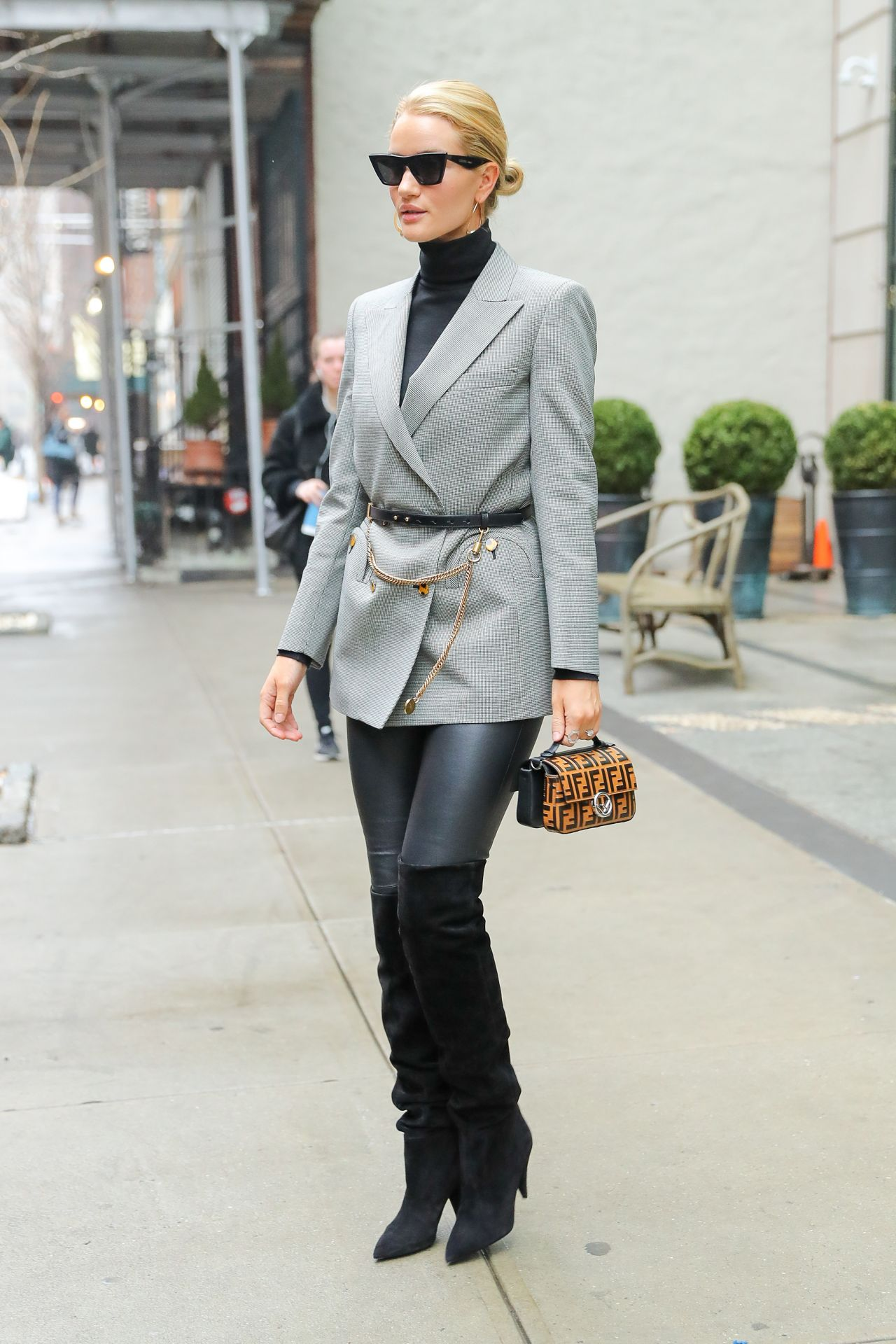 Rosie Huntington Whiteley Fashion Style New York City 04 04 2018
