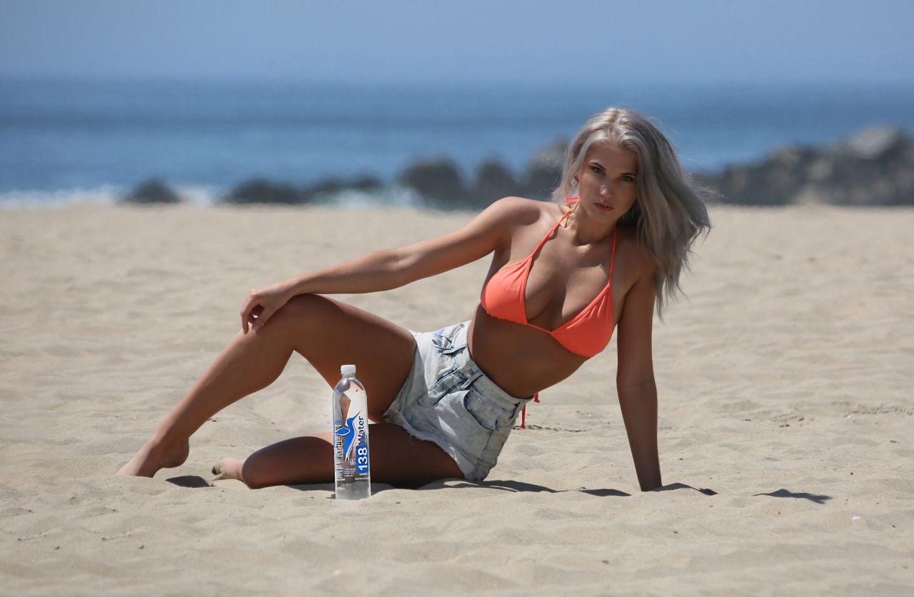 Celebrites Samantha Knezel nude photos 2019