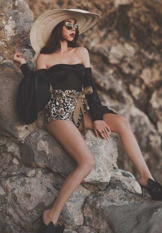 Sarah Hyland - Modeliste Magazine, April 2018