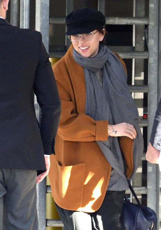 Scarlett Johansson - Arriving to JFK Airport in NYC 04/26/2018