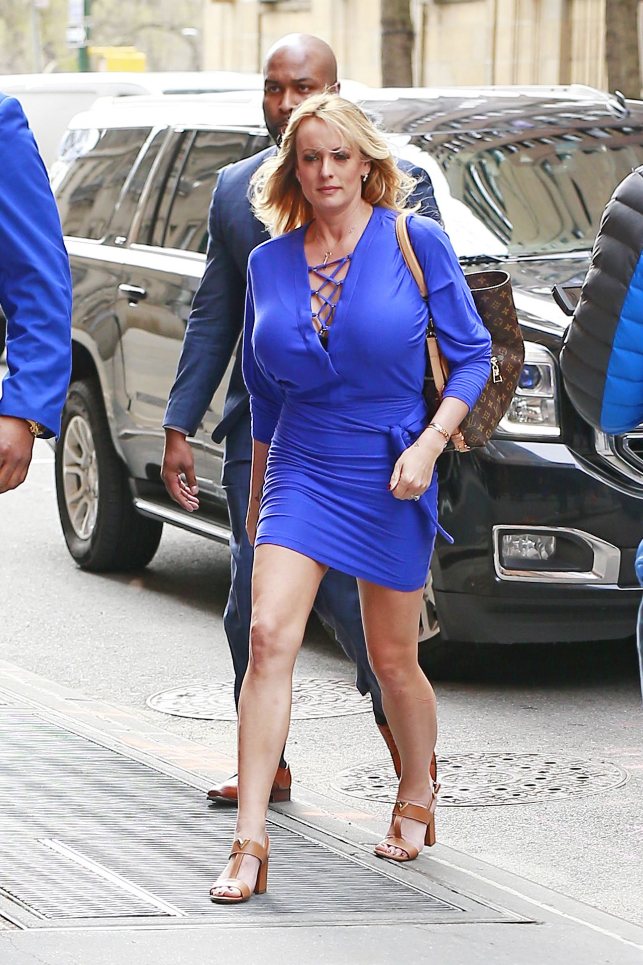 Stormy daniels arriving at the view tv show in new york for Tv shows to see in new york