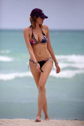 Aida Yespica in Bikini on the Beach in Miami 05/01/2018