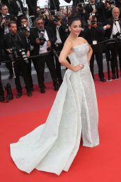 "Aishwarya Rai Bachchan – ""Sink or Swim"" Red Carpet in Cannes"