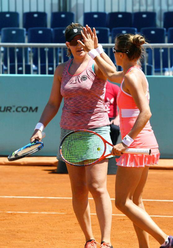 Alicja Rosolska and Abigail Spears – Mutua Madrid Open in Madrid 05/08/2018