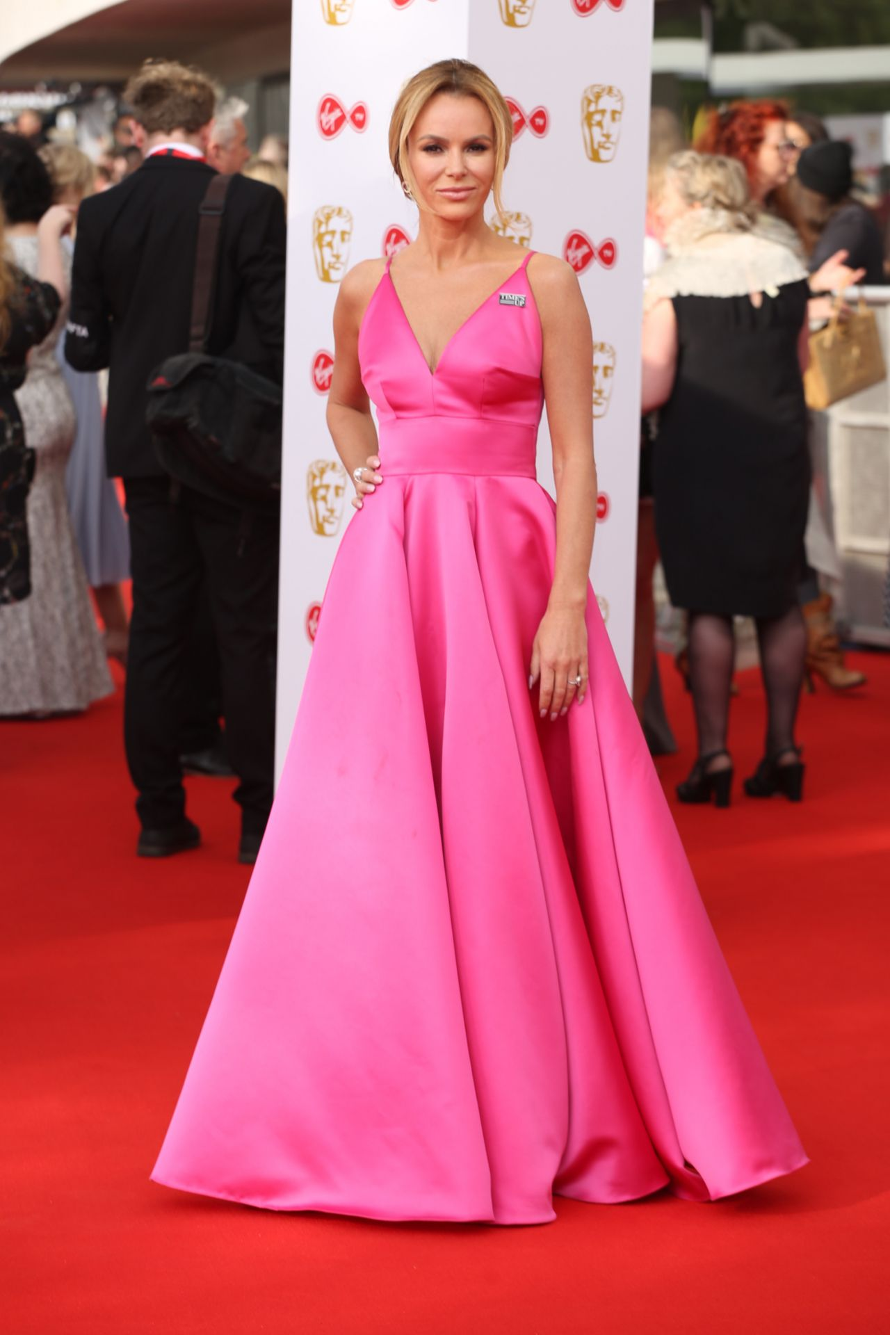 Fantastisch Amanda Holden Wedding Dress Bilder - Brautkleider Ideen ...