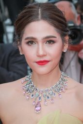 """Araya A. Hargate – """"Sink or Swim"""" Red Carpet in Cannes"""