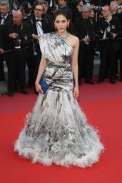 "Araya Hargate – ""Girls of the Sun"" Premiere at Cannes Film Festival"