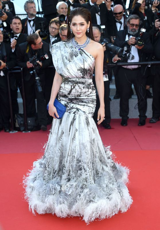 "Araya Hargate – ""Girls of the Sun"" Premiere at Cannes Film Festival"