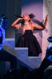 Ariana Grande - Performs at the 2018 Billboard Music Awards in Las Vegas