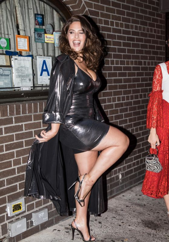 Ashley Graham Showing Off Her Legs - Arriving to a Party in NYC