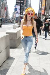 Bella Thorne Promoting Her New Music Video - Viacom Time Square in New York 05/25/2018