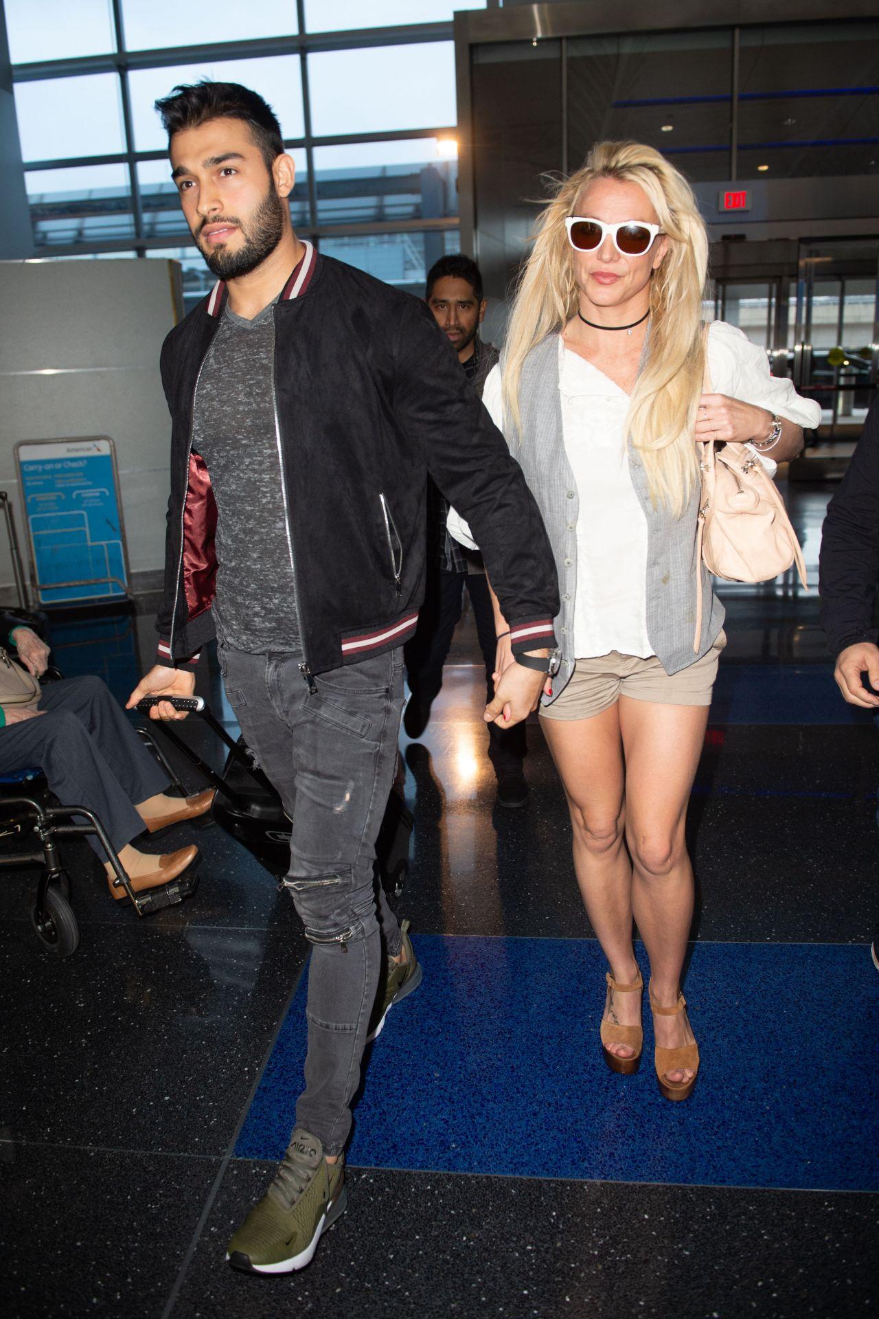 Britney Spears boyfriend Sam Asgahri calls her father