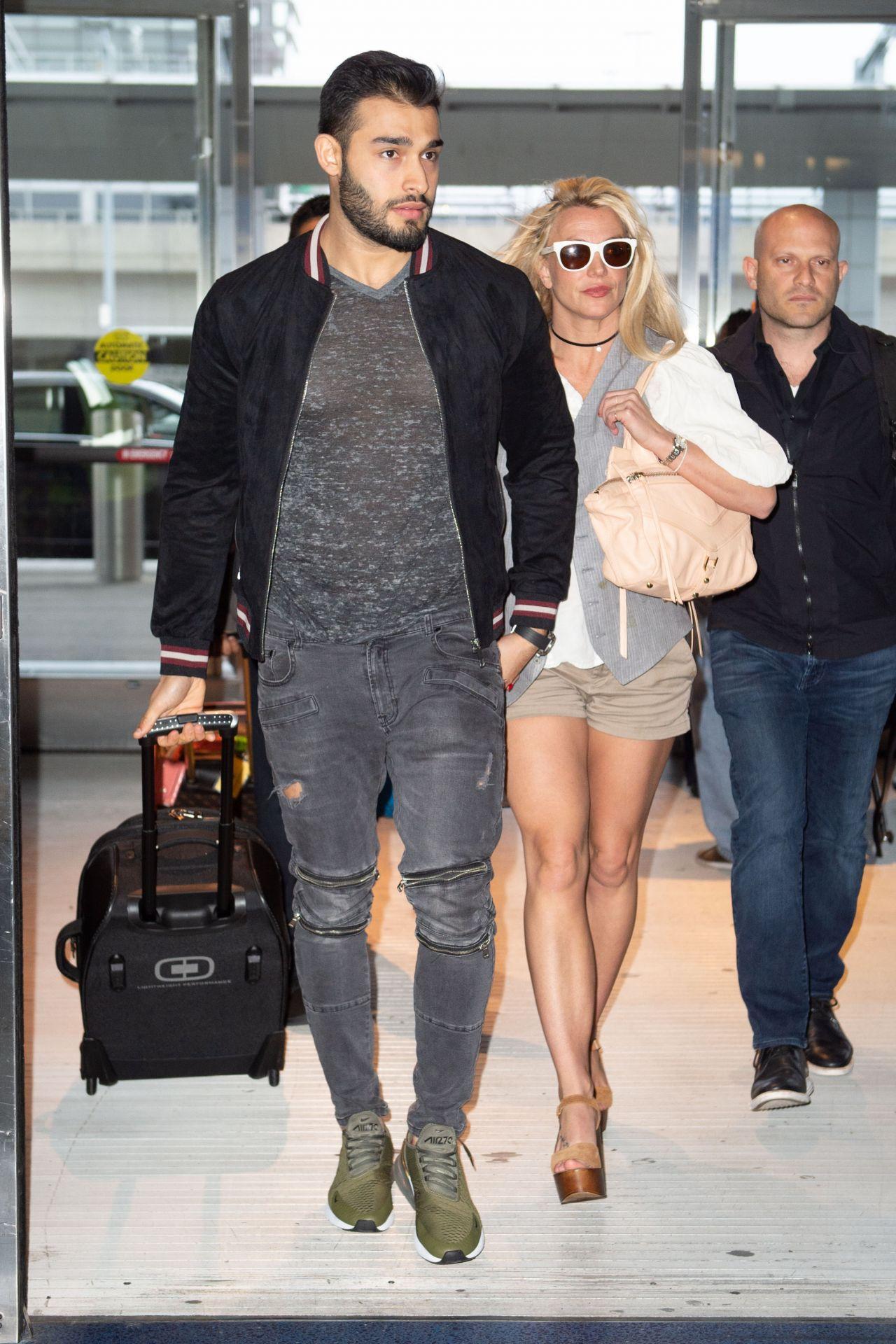 Britney Spears And her boyfriend Sam Asghari seem