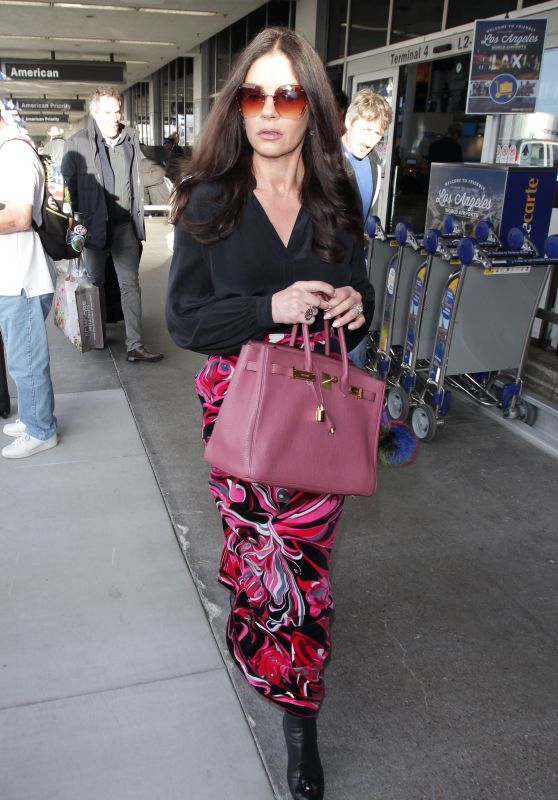 Catherine Zeta-Jones at LAX in LA 05/06/2018