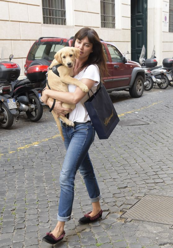 Catrinel Marlon - Walk With Dog Along Via Giulia Street in Rome 05/28/2018