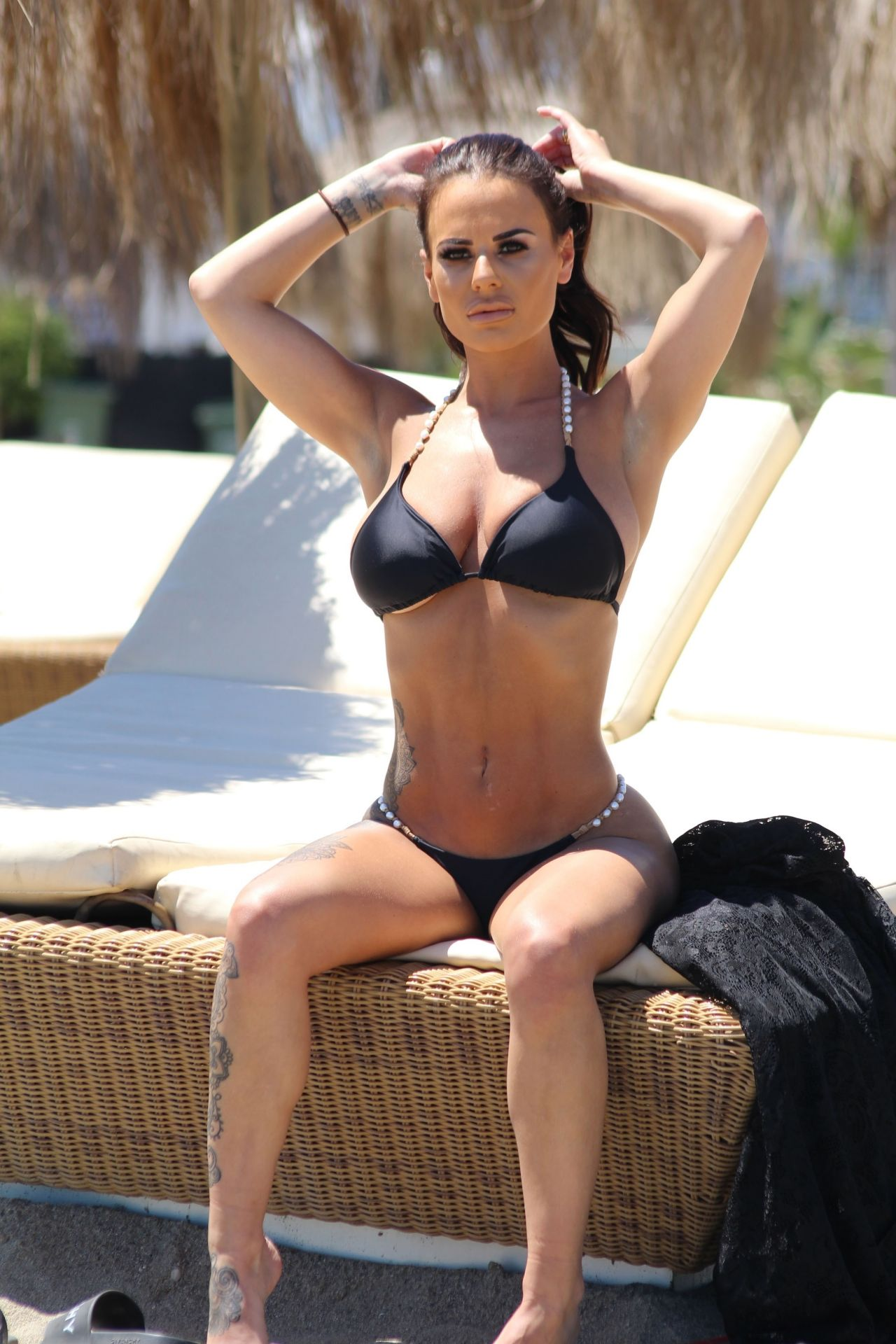 Bikini Chantelle Connelly naked (88 photo), Topless
