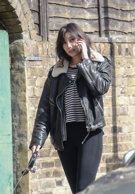 Daisy Lowe - Walks Her Dog in North London 05/03/2018