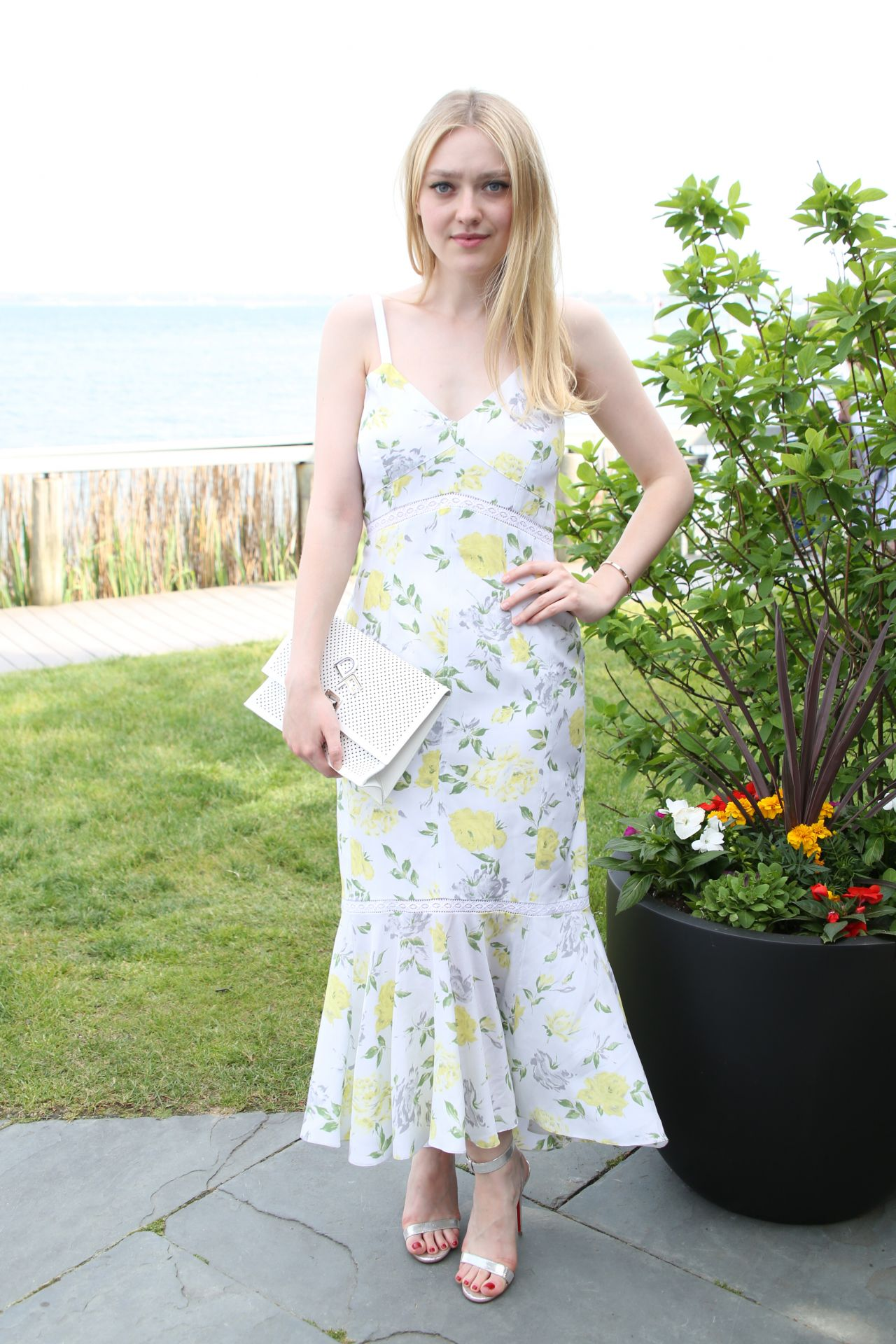 http://celebmafia.com/wp-content/uploads/2018/05/dakota-fanning-dujour-magazine-annual-memorial-day-party-in-new-york-05-26-2018-3.jpg