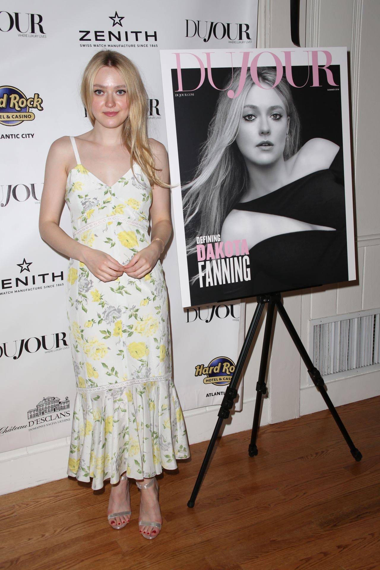 http://celebmafia.com/wp-content/uploads/2018/05/dakota-fanning-dujour-magazine-annual-memorial-day-party-in-new-york-05-26-2018-6.jpg