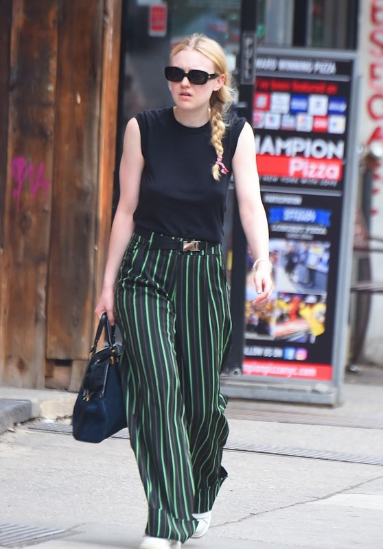 Dakota Fanning - Running Errands in New York City 05/17/2018