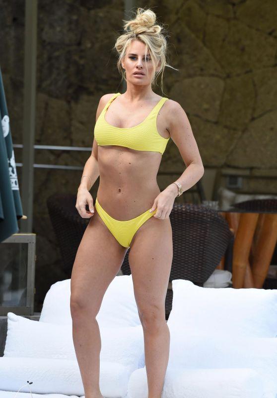 Danielle Armstrong in Bikini in Tenerife 04/29/2018