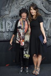 "Dolores Chapli – ""Jurassic World: Fallen Kindom"" Premiere in Madrid"
