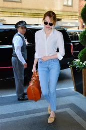 Emma Stone – Arrives to Carlyle Hotel in NYC 05/07/2018