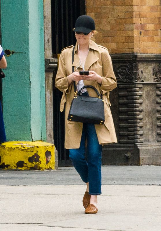 Emma Stone Casual Style - New York City 05/05/2018
