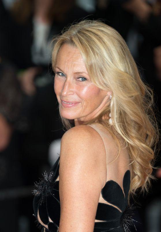 "Estelle Lefebure – ""Burning"" Red Carpet in Cannes"