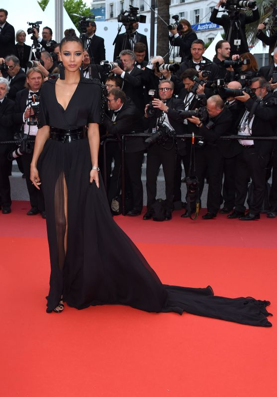 "Flora Coquerel – ""BlacKkKlansman"" Red Carpet in Cannes"