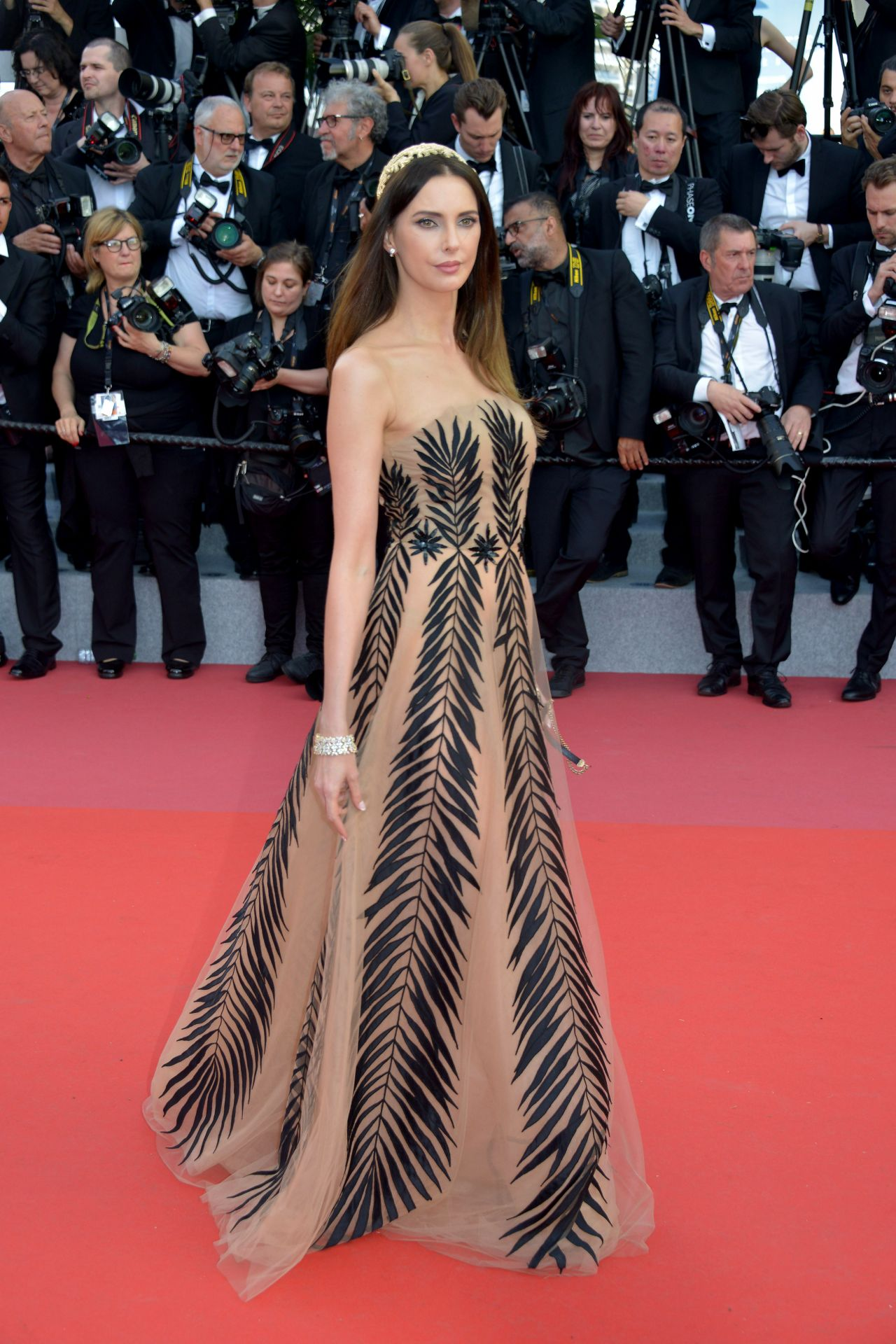 Frederique Bell Quot Everybody Knows Quot Premiere And Cannes