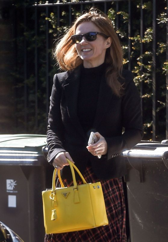 Geri Horner - Out in North London 05/01/2018