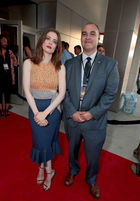 "Gillian Jacobs – ""Life of the Party"" World Premiere in Auburn"