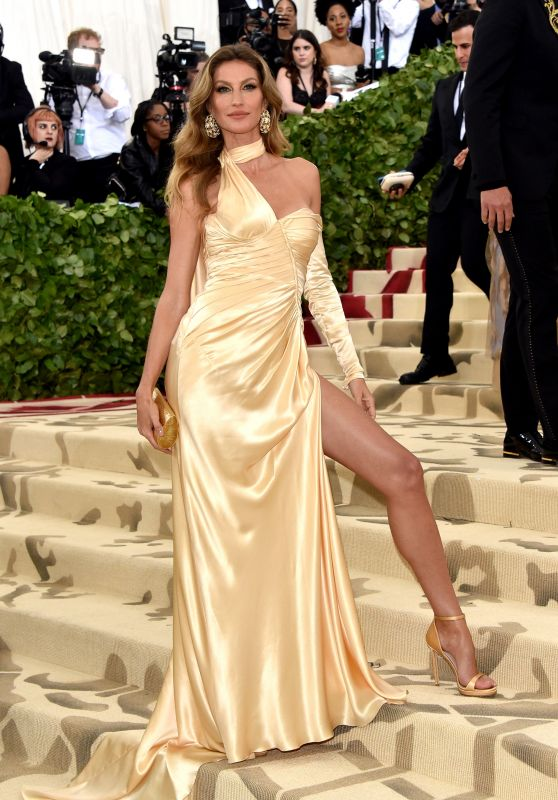 Gisele Bundchen and Tom Brady – MET Gala 2018