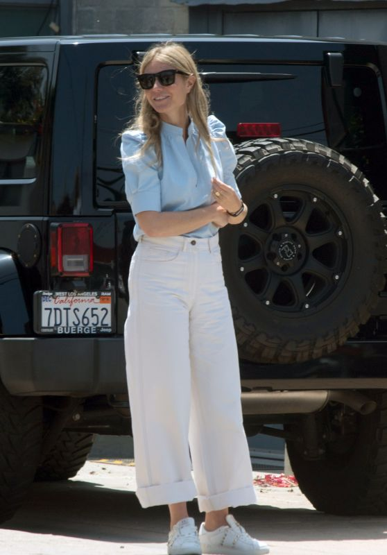 Gwyneth Paltrow - Heading to a Business Meeting in LA 05/10/2018