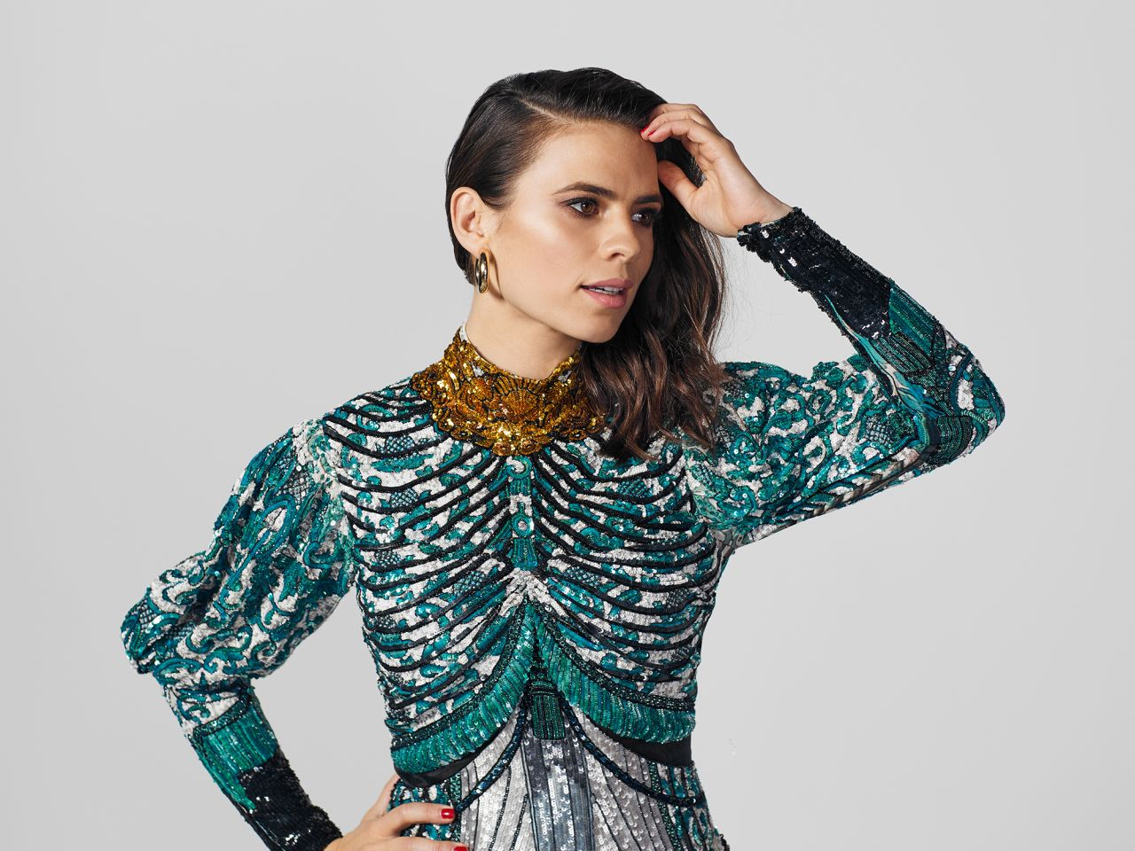 http://celebmafia.com/wp-content/uploads/2018/05/hayley-atwell-photoshoot-for-harper-s-bazaar-april-2018-5.jpg