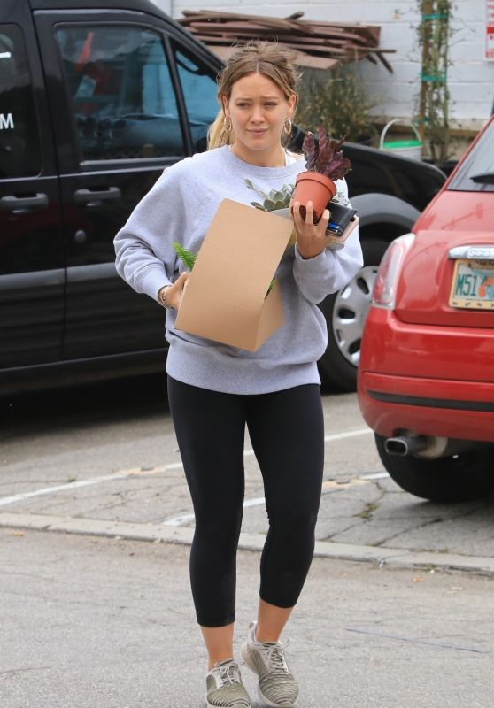 Hilary Duff in Leggings - Picks Up Some Plants in Los Angeles 05/12/2018