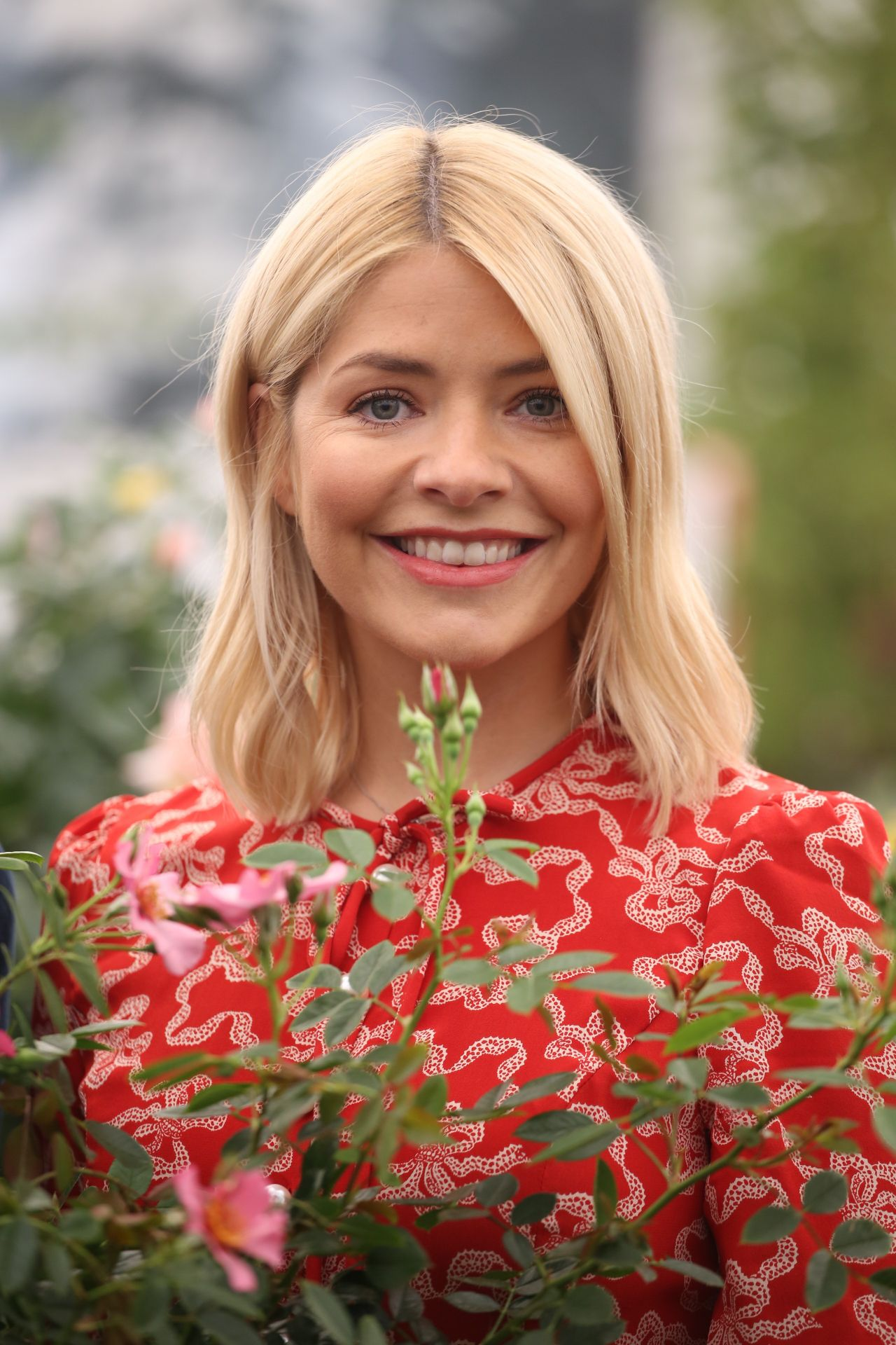 holly willoughby chelsea flower show in london 05212018