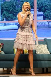 """Holly Willoughby – """"This Morning Live"""" Show in Birmingham 05/17/2018"""