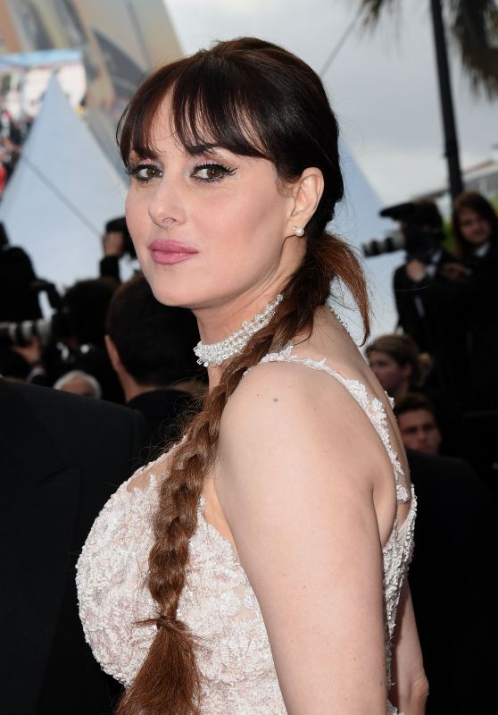 """Isabella Adriani – """"Sink or Swim"""" Red Carpet in Cannes"""
