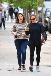 Jennifer Garner - Grabs Coffee in Brentwood 05/21/2018