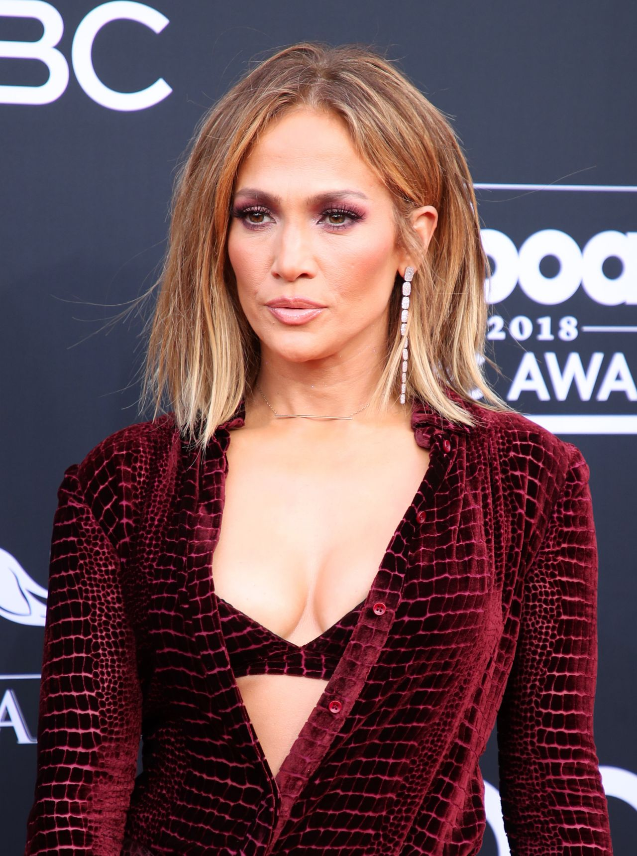 Jennifer Lopez – 2018 Billboard Music Awards in Las Vegas Jennifer Lopez