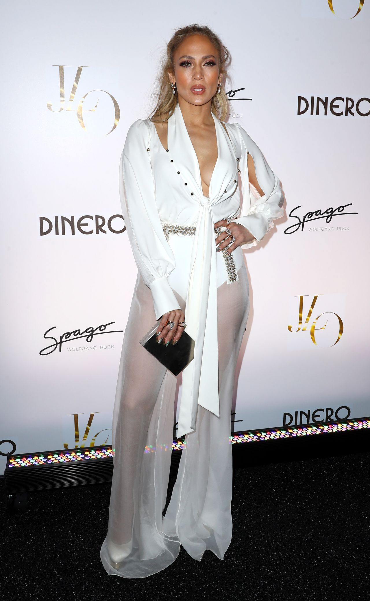 http://celebmafia.com/wp-content/uploads/2018/05/jennifer-lopez-celebrates-release-of-new-single-dinero-in-las-vegas-2.jpg