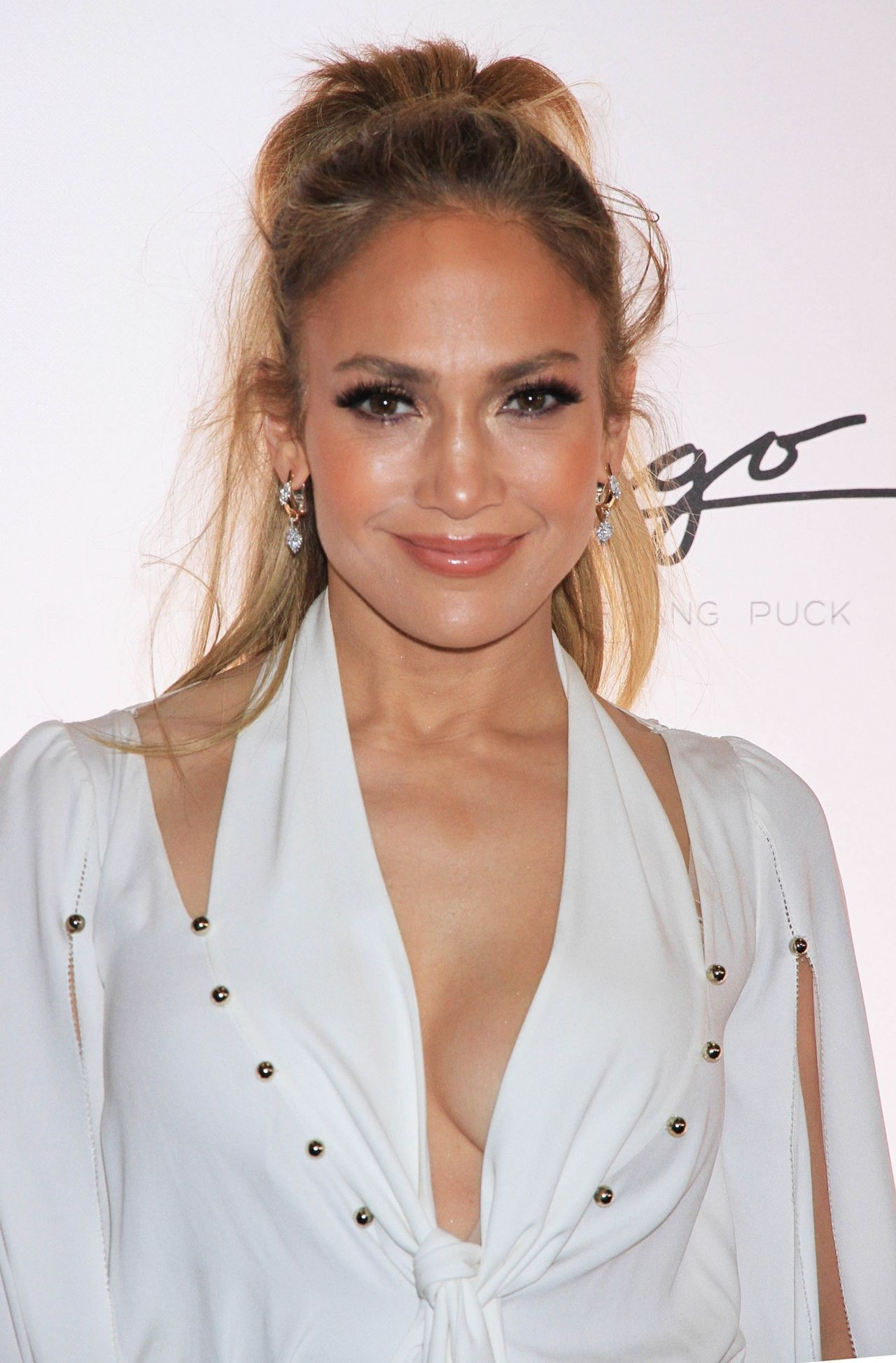 http://celebmafia.com/wp-content/uploads/2018/05/jennifer-lopez-celebrates-release-of-new-single-dinero-in-las-vegas-8.jpg