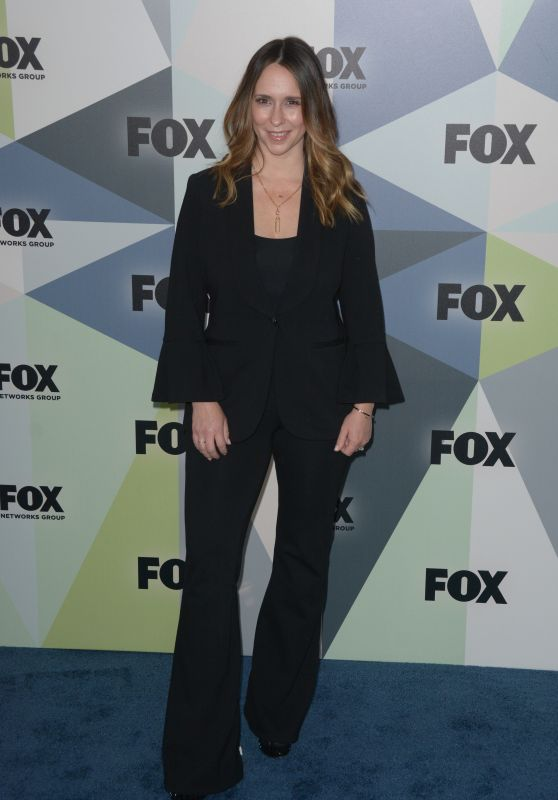 Jennifer Love Hewitt 2018 Fox Network Upfront In Nyc