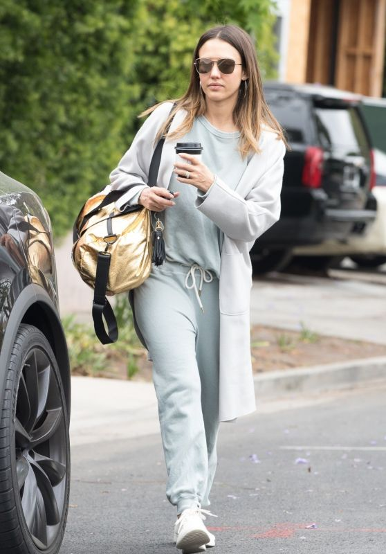 Jessica Alba in Casual Outfit - Picks Up Coffee in Beverly Hills 05/19/2018