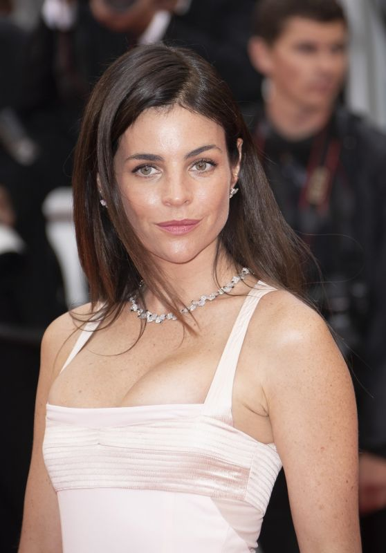 "Julia Restoin-Roitfeld – ""Burning"" Red Carpet in Cannes"