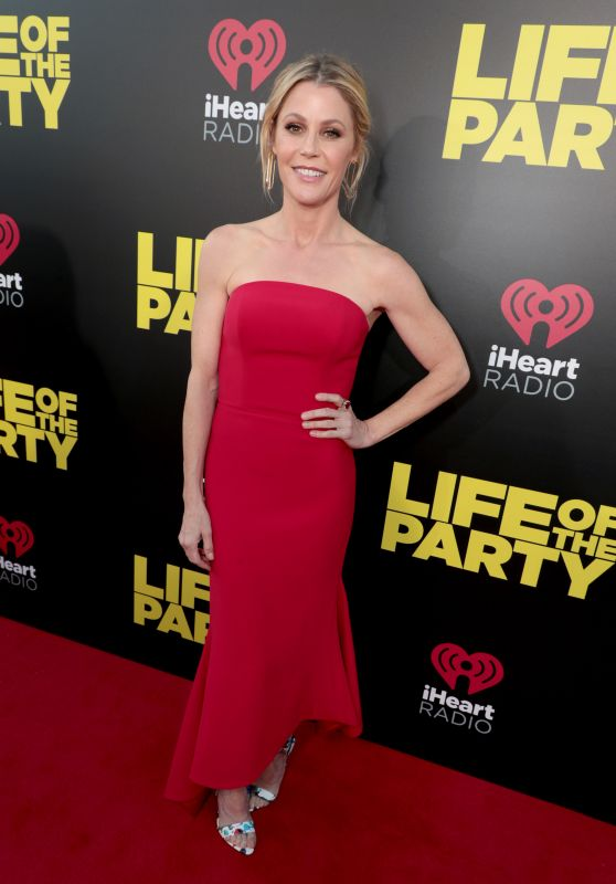 "Julie Bowen – ""Life of the Party"" World Premiere in Auburn"